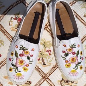 New direction jonet floral slip on shoes